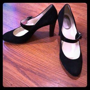 NWT Calvin Klein sz 9 Black Velvet Heels w/ buckle